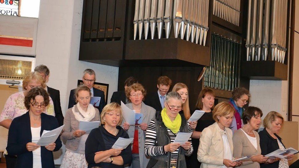 Projektchor für die Erstkommunion probt…