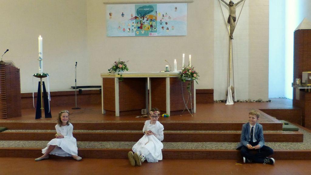 """""""Kleine Erstkommunion"""" in der Thomas-Morus-Kirche"""